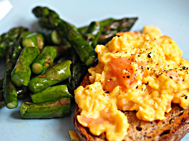 asparagus scrambled eggs
